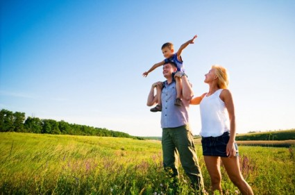 the_outskirts_of_a_family_of_three_highdefinition_picture_167981